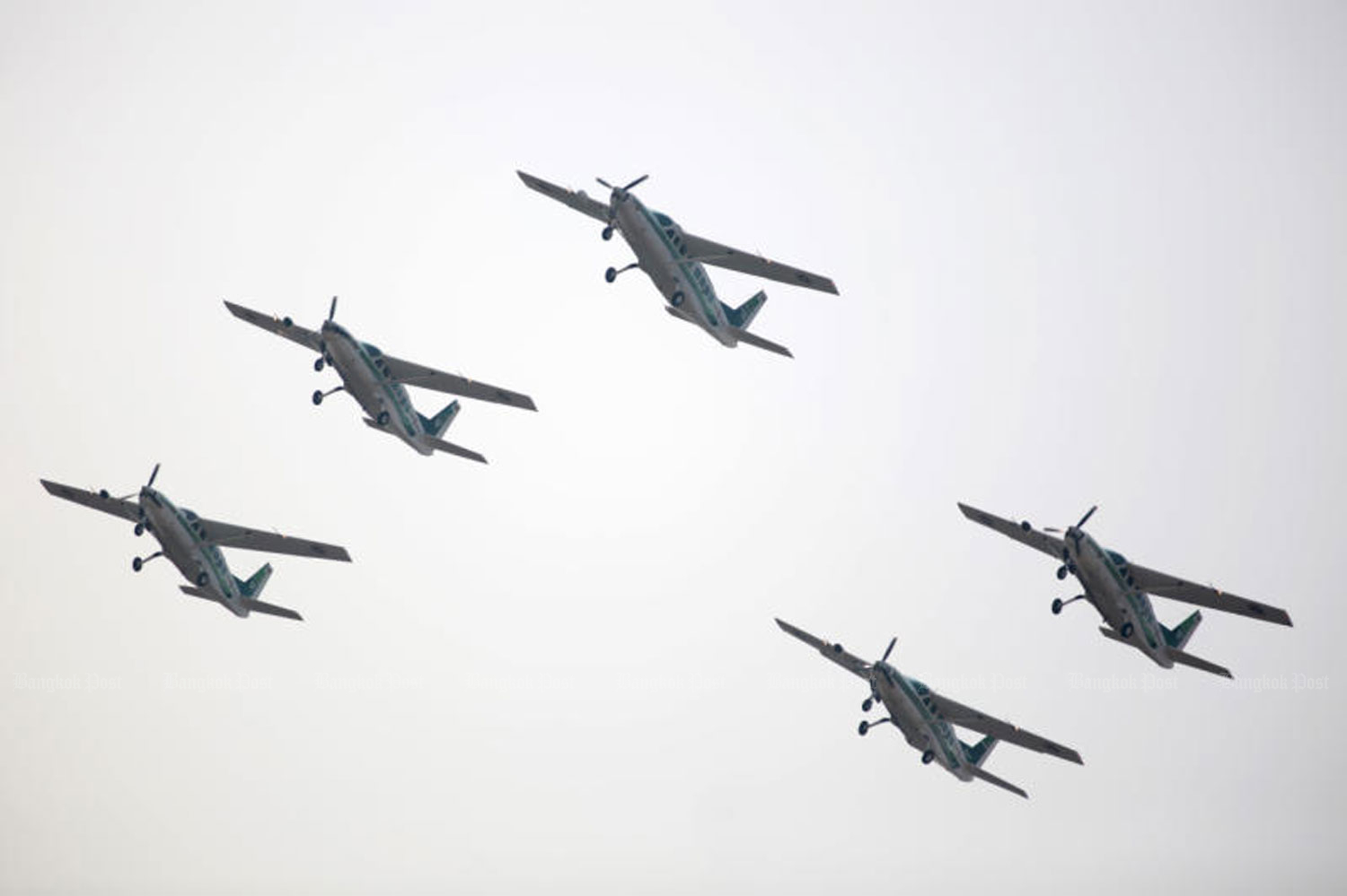 Planes fly in a rainmaking formation in Nakhon Sawan province. (File photo by Chanat Katanyu)