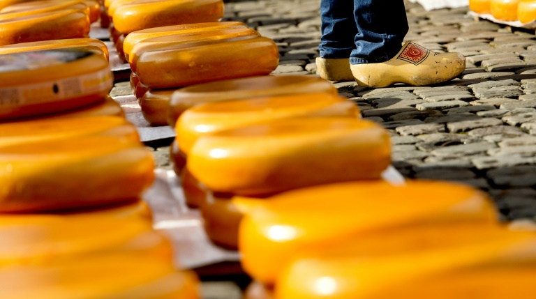 US proposes tariffs on EU cheese, pork and whiskey