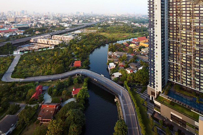 Sansiri's T77 Community in Sukhumvit Soi 77 offers multiple residential projects, a community mall, and Bangkok International Preparatory & Secondary School. (Sansiri Plc file photo)