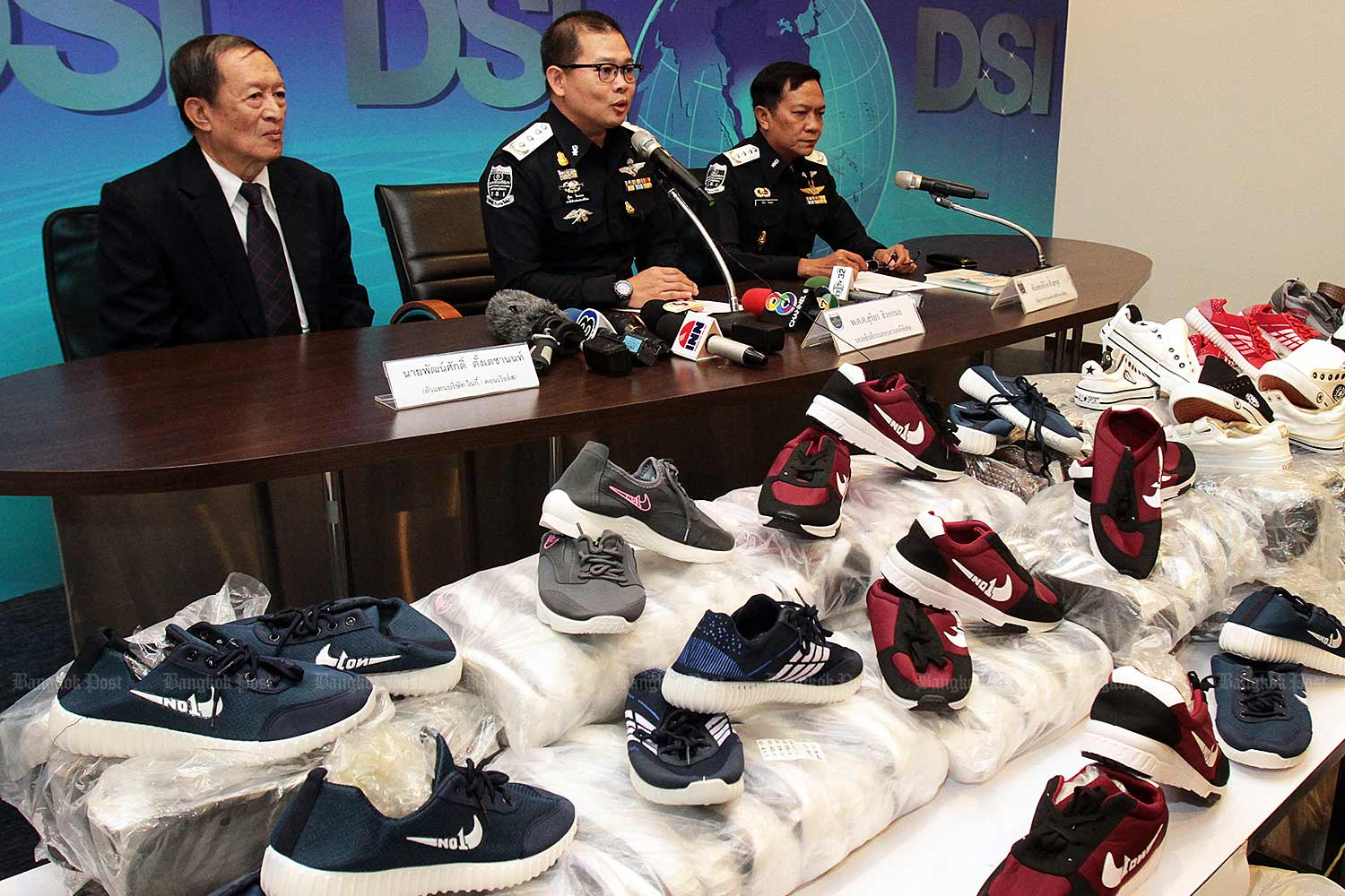 Brand-name products smuggled into Thailand surged in June. (Bangkok Post file photo)