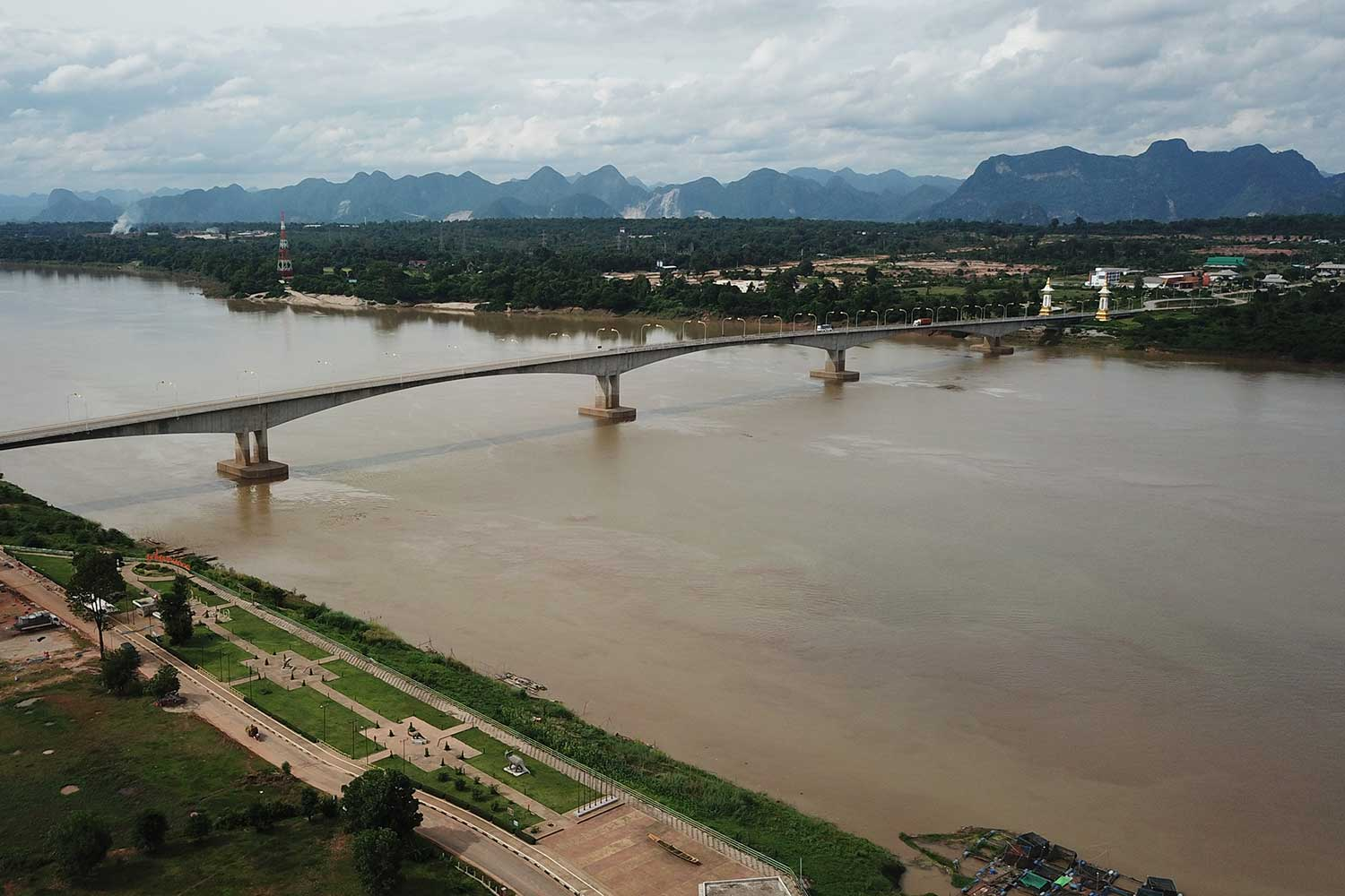 The water level of the Mekong River in Nakhon Phanom's Muang district. (Photo by Pattanapong Sripiachai)
