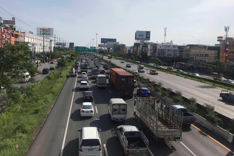 'Prolonged' Rama II road works irk local residents