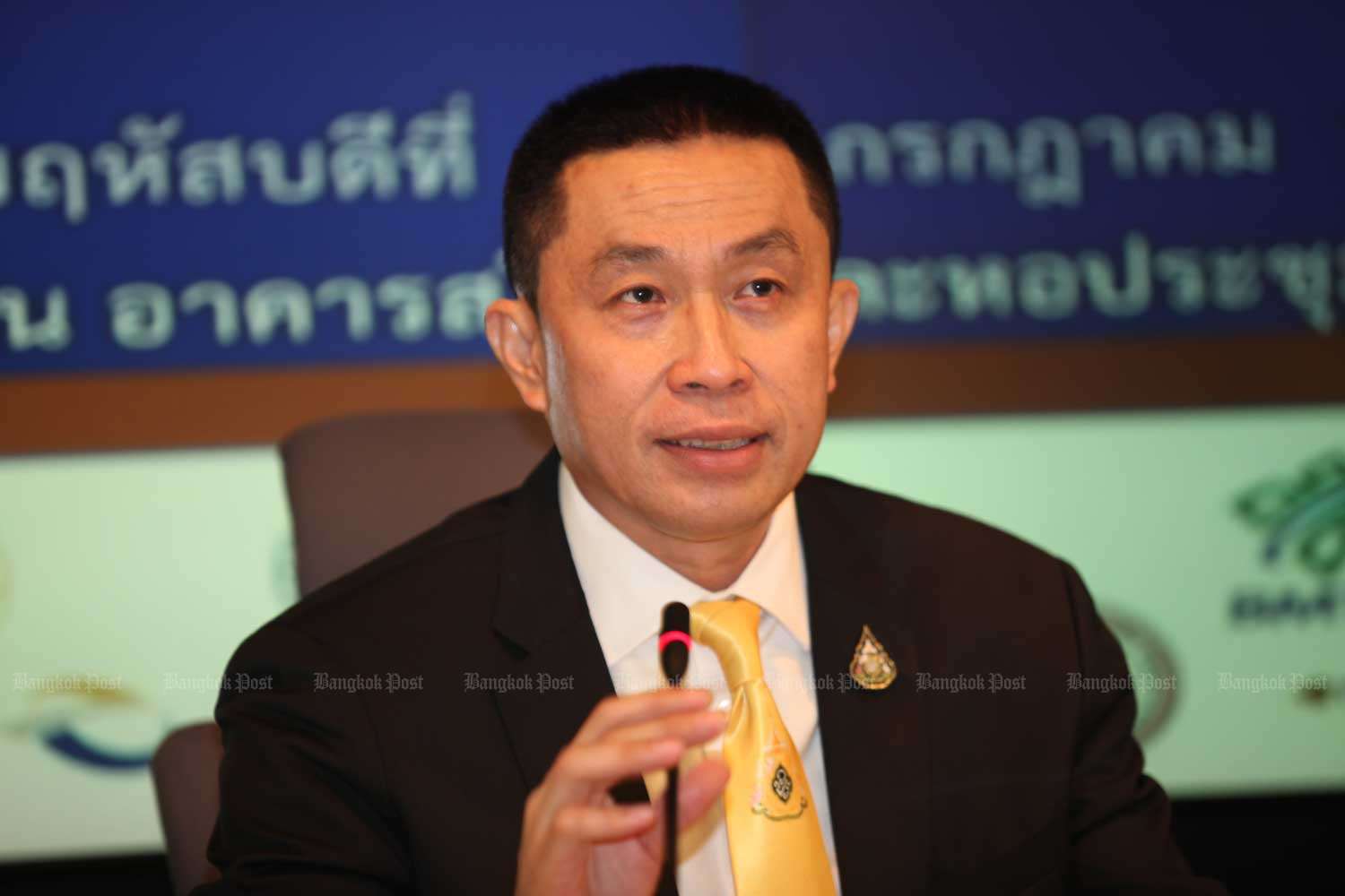 Transport Minister Saksayam Chidchob is moving ahead with the mega-infrastructure investment projects started by the previous government. (Photo by Apichart Jinakul)