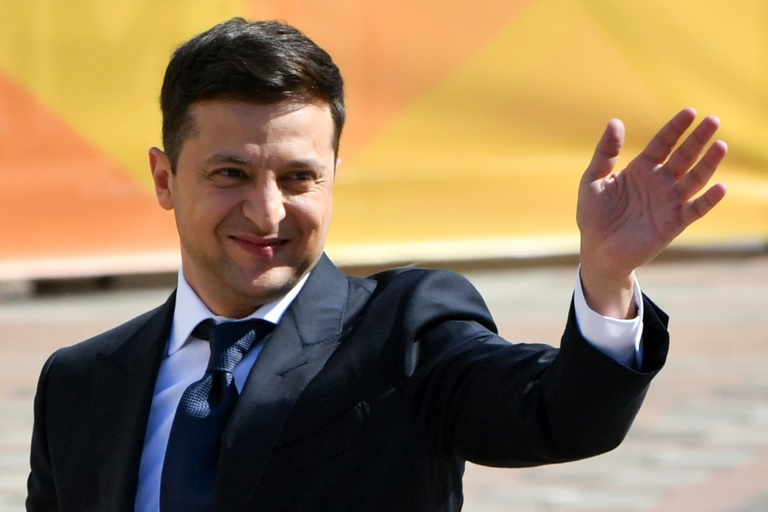 Ukraine president's party poised to win parliament vote