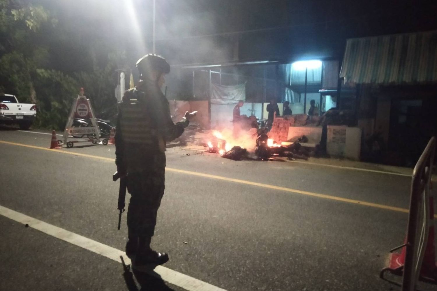 Four hurt in Pattani protection unit attack