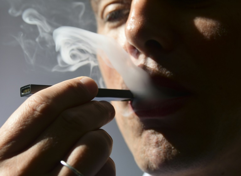 E-cigarettes should be regulated