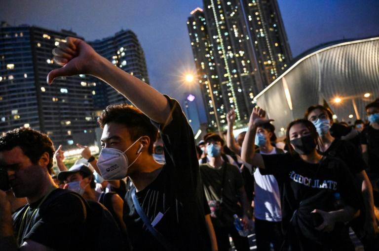 c1_3274911 Surge in False Online Videos of Chinese Military Crackdown in HK