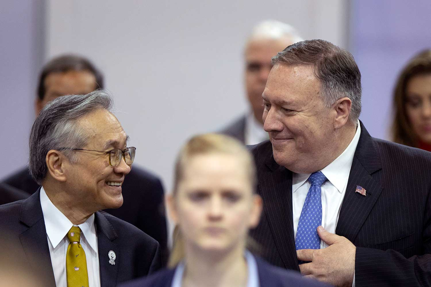US Secretary of State Mike Pompeo and Foreign Minister Don Pramudwinai walk to hold a press conference during the Asean and affiliated meetings in Bangkok on Thursday. (AP photo)