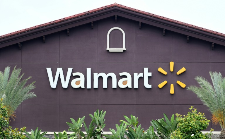 Walmart to continue selling guns despite two mass shootings in 4 days