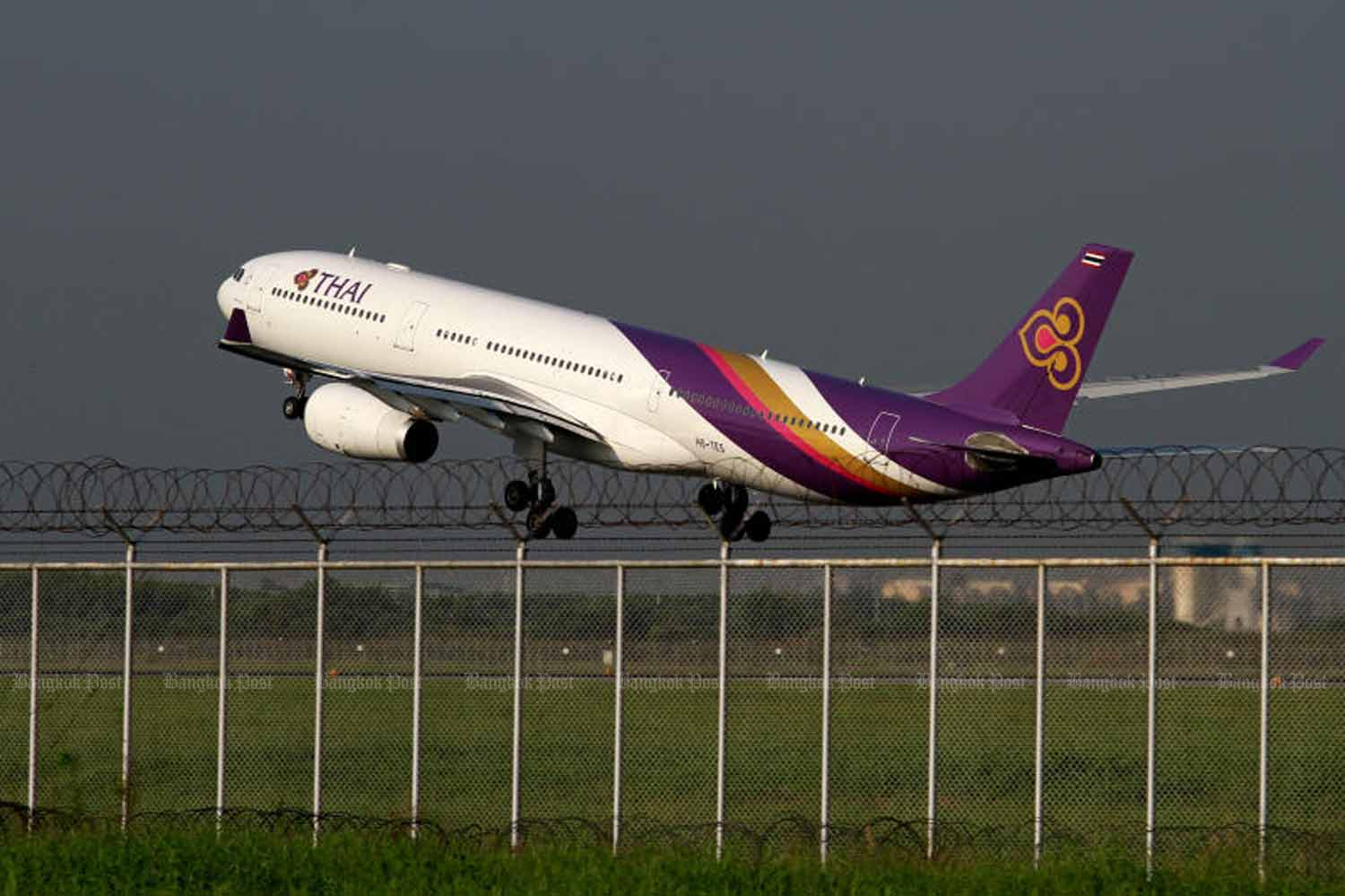 Transport Minister Saksayam Chidchob has given the green light to loss-making Thai Airways International Plc to purchase and lease 38 new aircraft. (Bangkok Post photo)