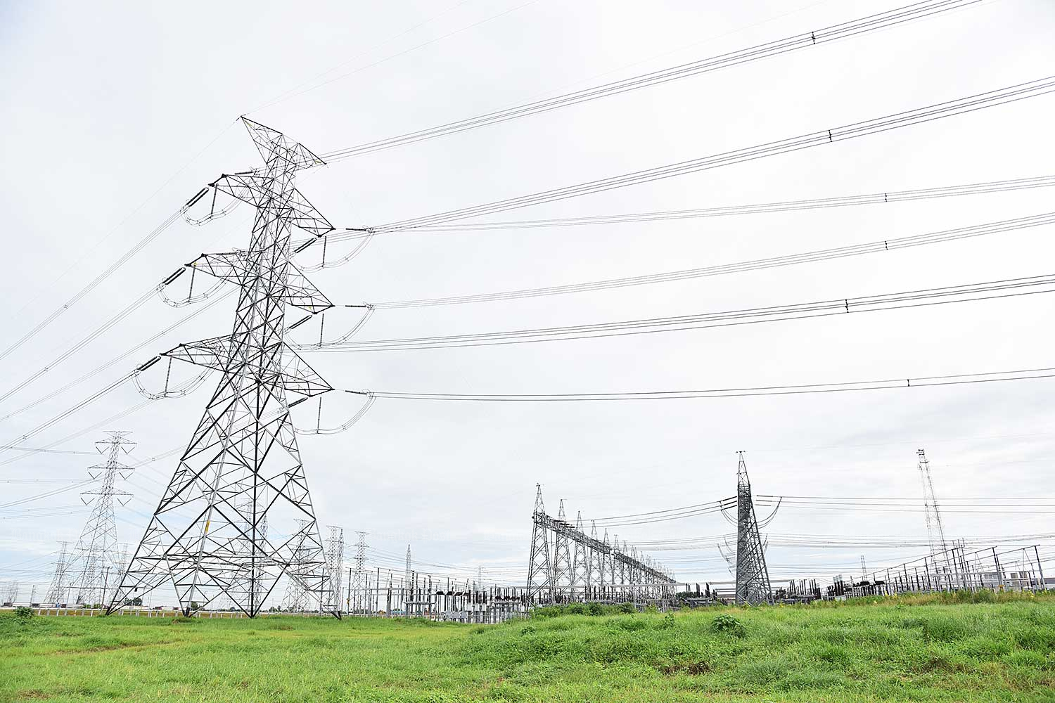 Special discounts will be given to local communities living near power plants. (Bangkok Post file photo)