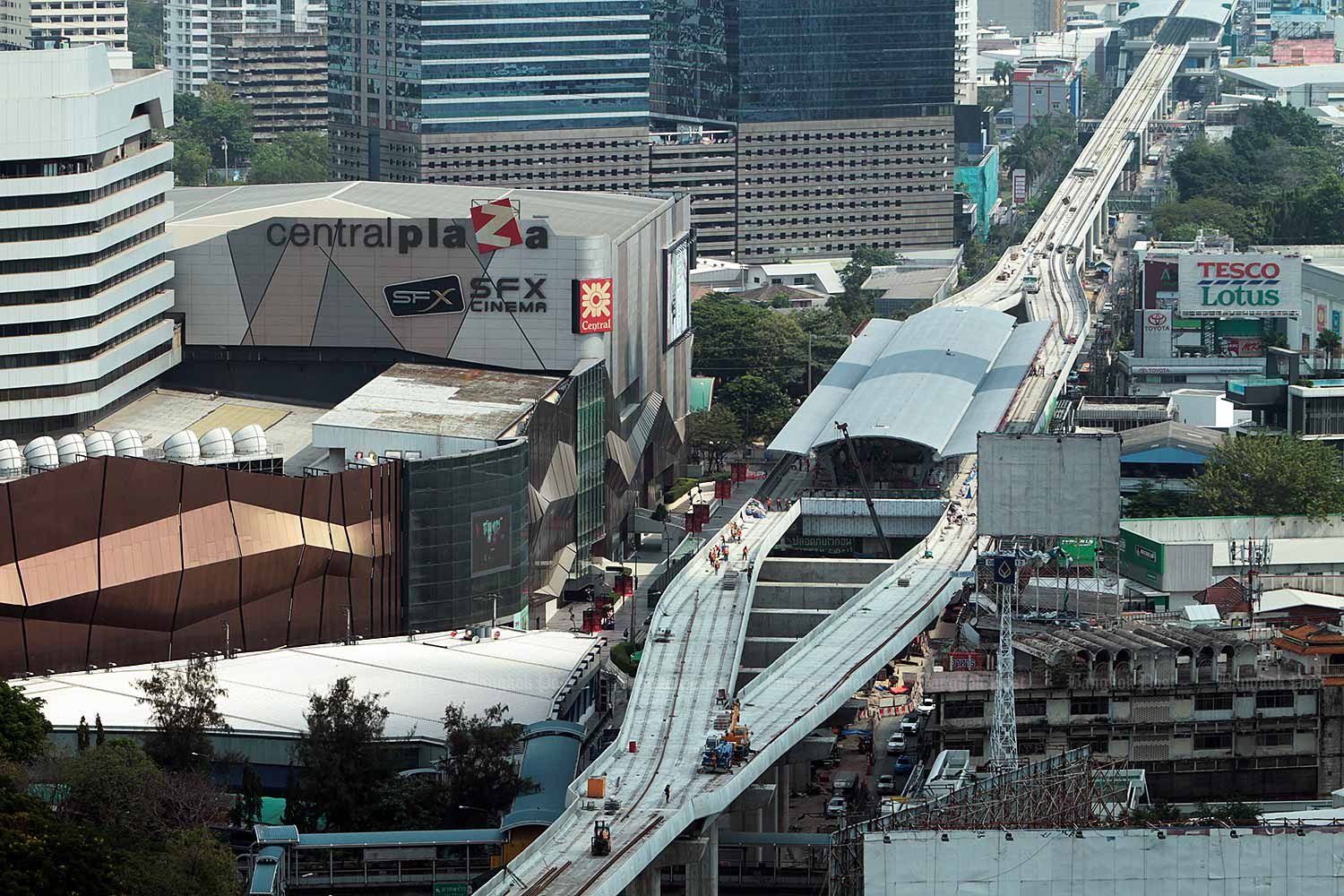 The new Green Line Ha Yaek Lat Phrao skytrain station. (Bangkok Post file photo)