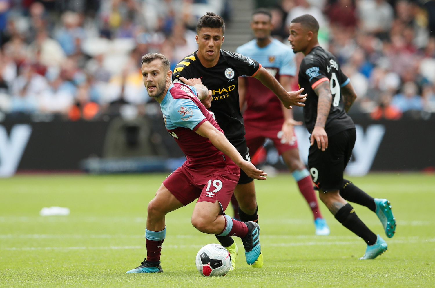 Manchester City opens Premier League title defense by bossing West Ham
