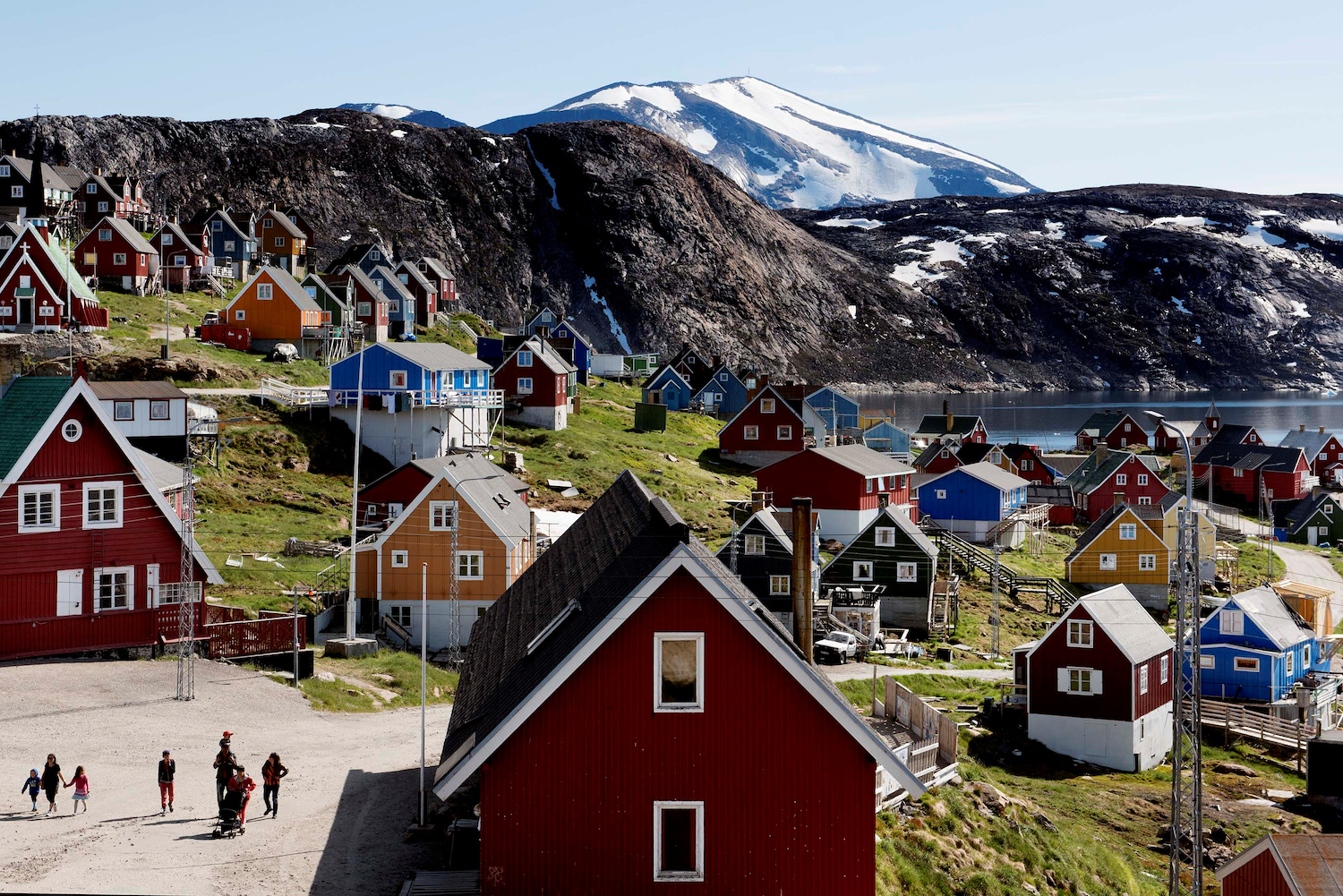 Upernavik in western Greenland is one of the few settlements on the world's largest island, which has a population of only 56,000. (Reuters Photo)