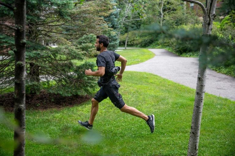Robo-shorts that help runners get ahead