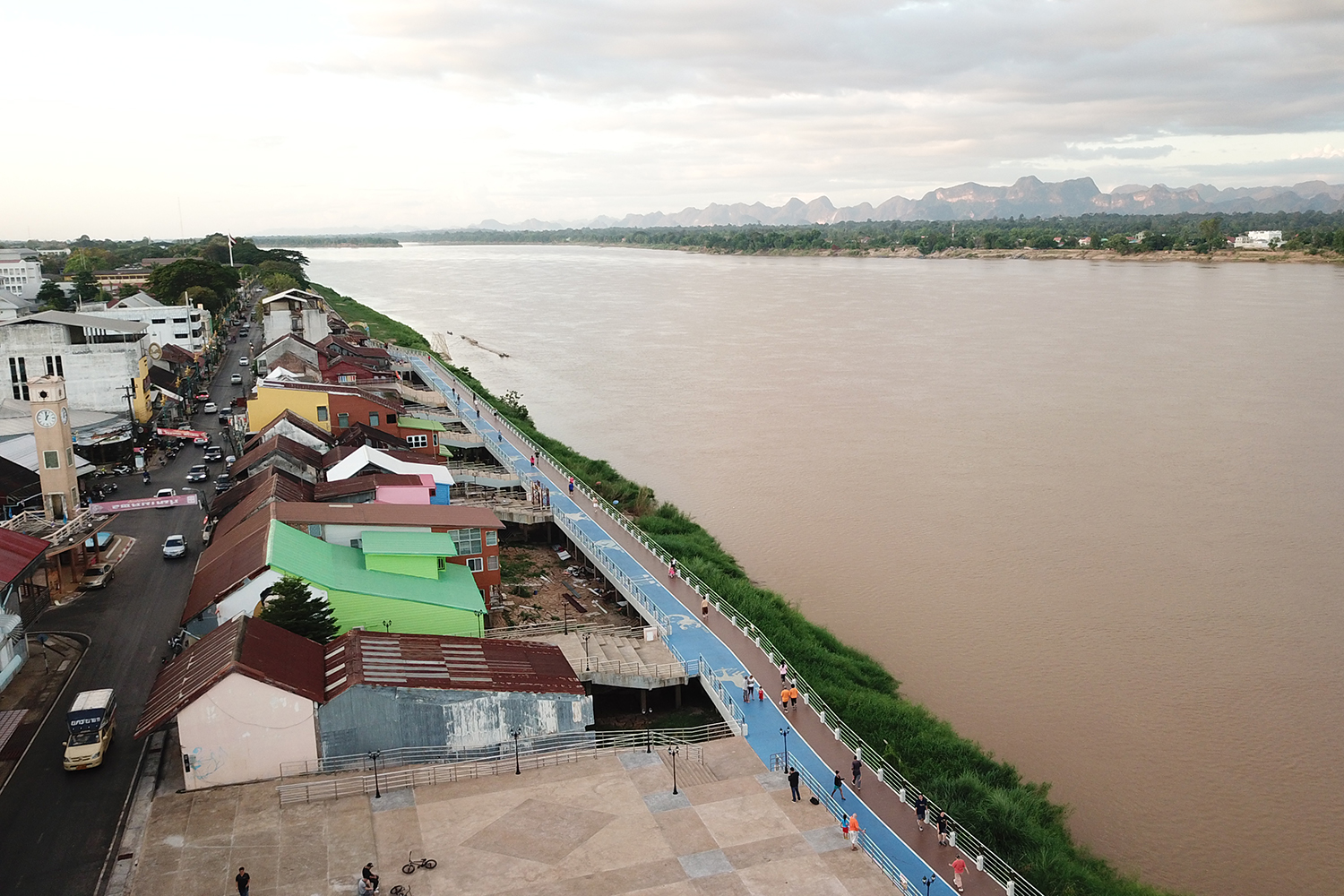 Several districts in Nakhon Phanom province are on alert for possible flooding from the Mekong River. (Photo by Pattanapong Sripiachai)
