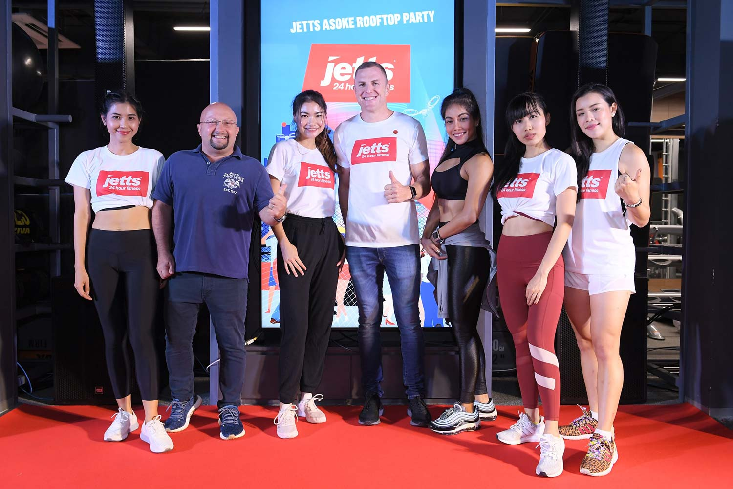 Jetts 24 Hour Fitness unveils outdoor rooftop training ground at high-profile, city-center Asoke club