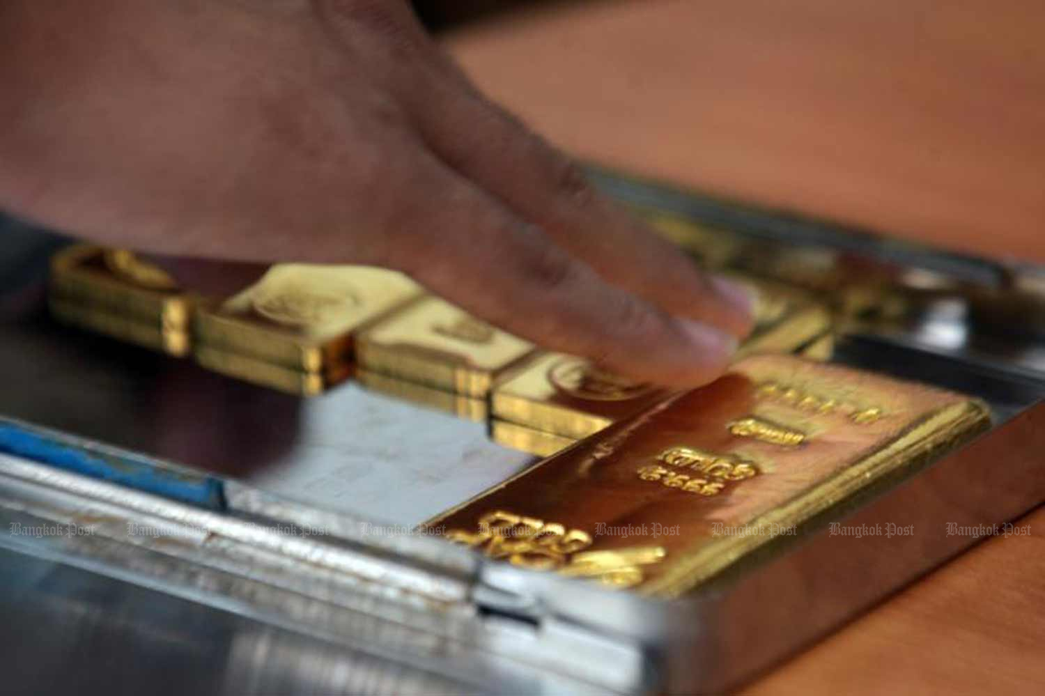 Gold shipments lifted exports in July, for a year-on-year rise for the first time in five months. (File photo)