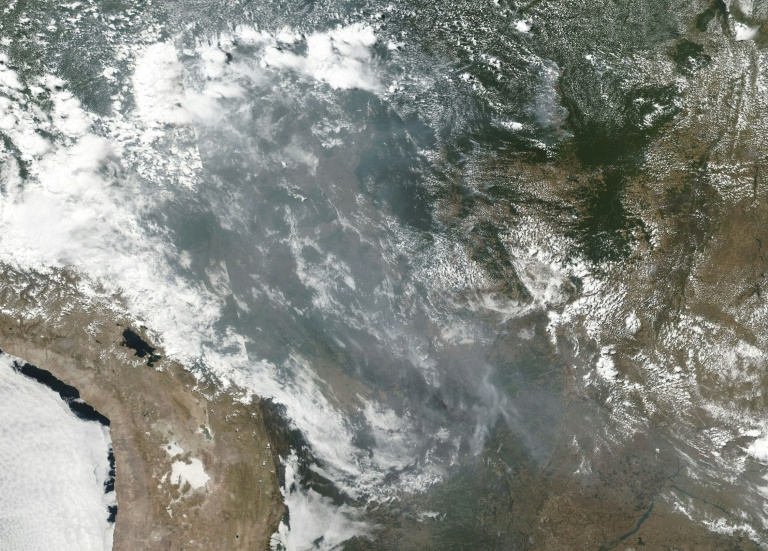 Smoke and fires can be seen across several states in Brazil in this Aug 22, 2019 NOAA/NASA image.
