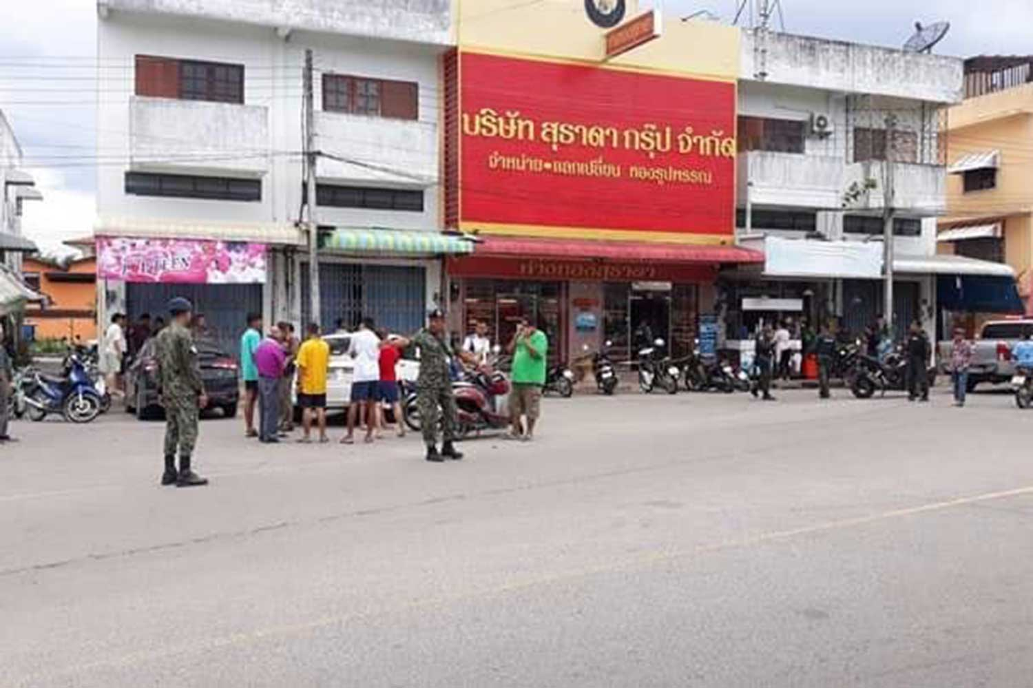 Robbers in ranger uniforms hit Songkhla gold shop