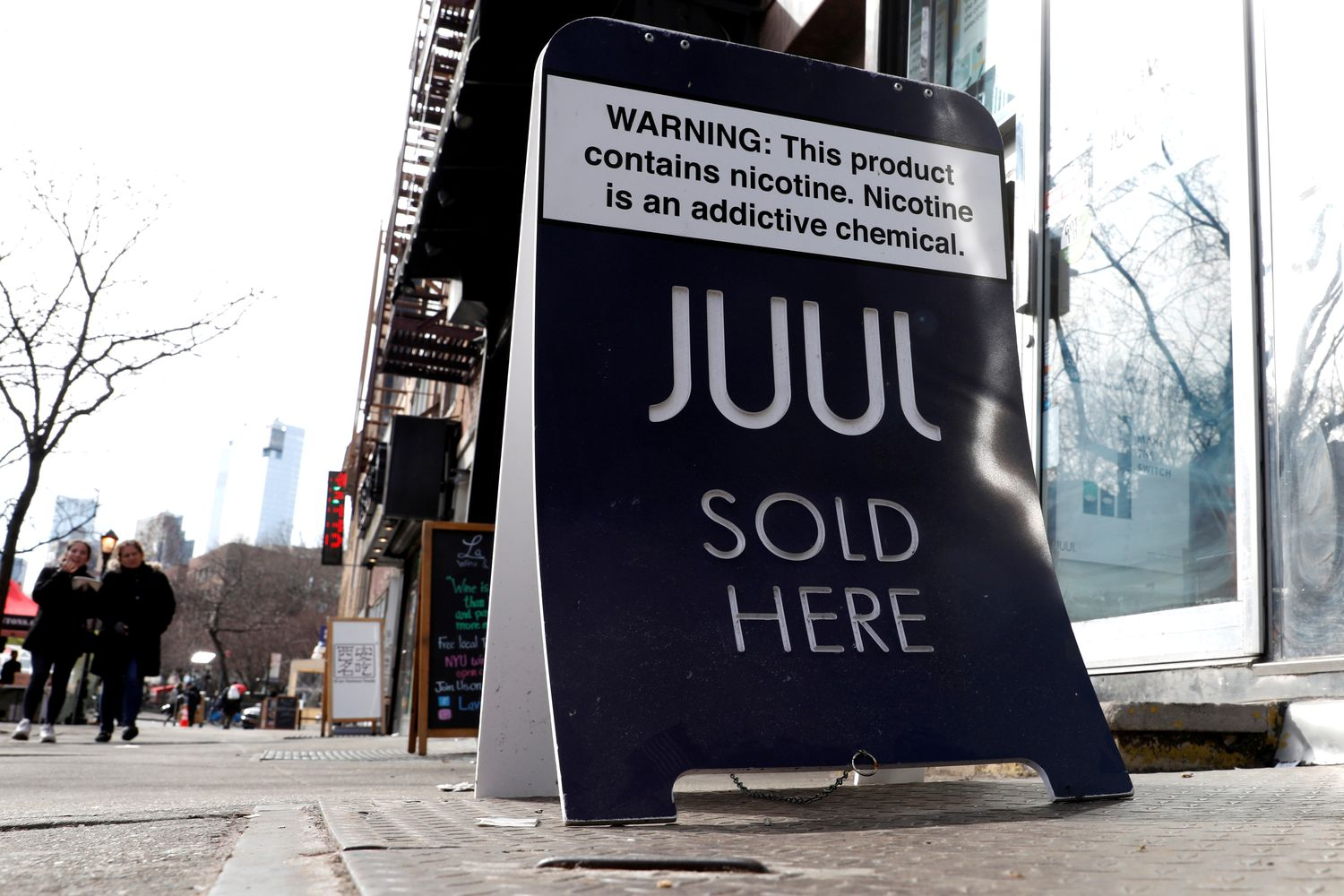 FTC probes marketing practices of e-cigarette maker Juul