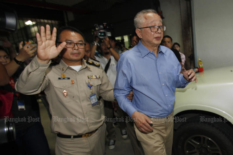 Sondhi Limthongkul is taken to Bangkok Remand Prison on Sept 6, 2016. He was released on Wednesday. (Photo by Pornprom Satrabhaya)