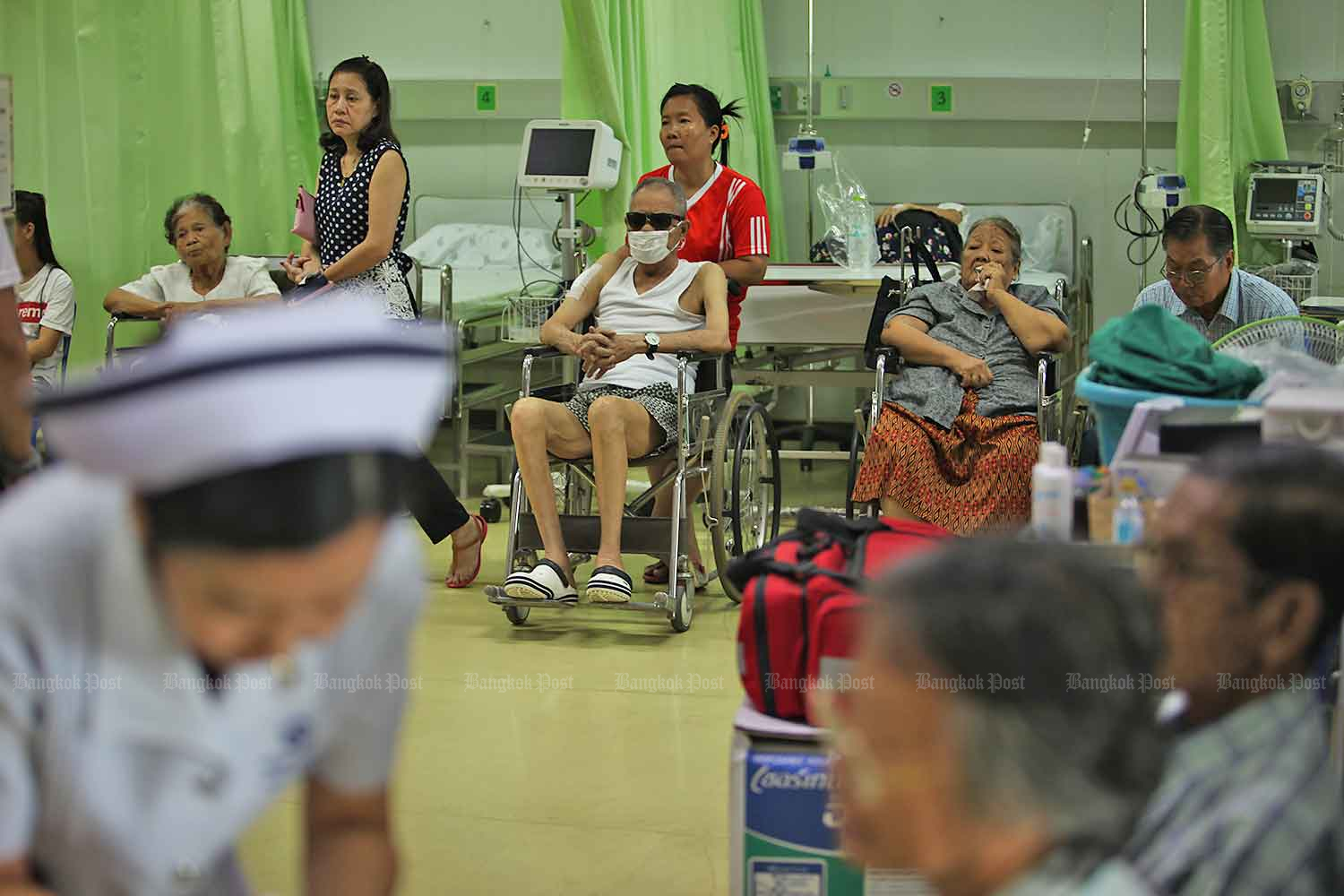 Agencies concerned over number of young people entering the workforce who will have to support the elderly. (Bangkok Post file photo)