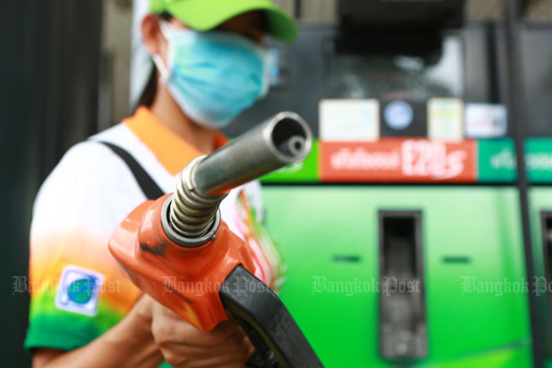 Pump prices could rise up to two baht a litre as a result of the drone attack on two refineries in Saudi Arabia. (Bangkok Post photo)