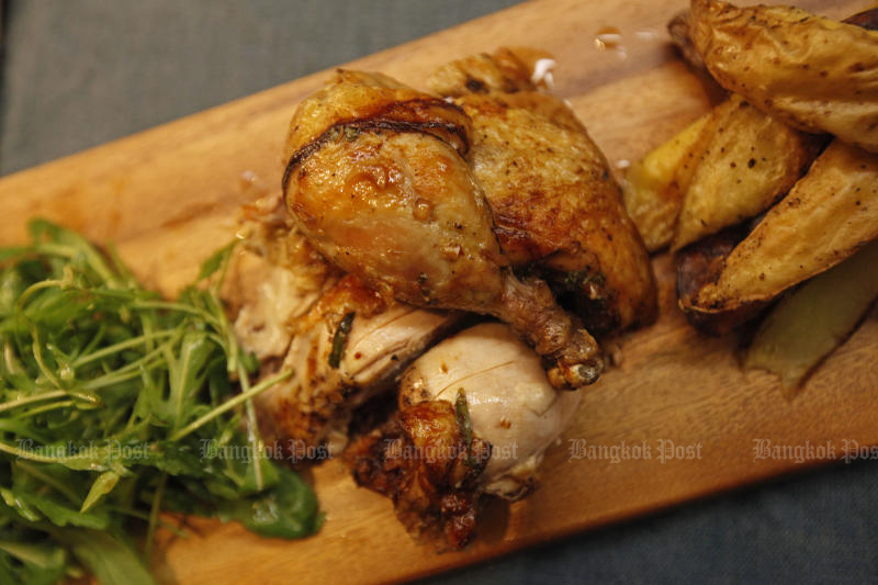 Poultry exports to China have surged eight-fold this year. (Bangkok Post photo)