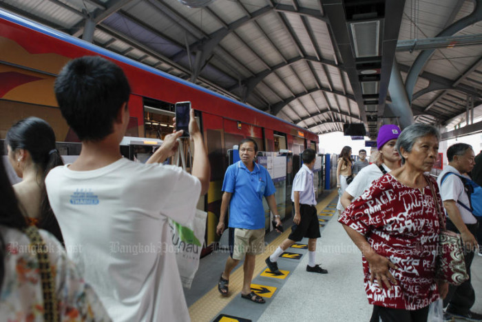 BTS open to 65-baht fare cap