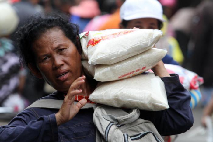 Strong baht battering rice shipments