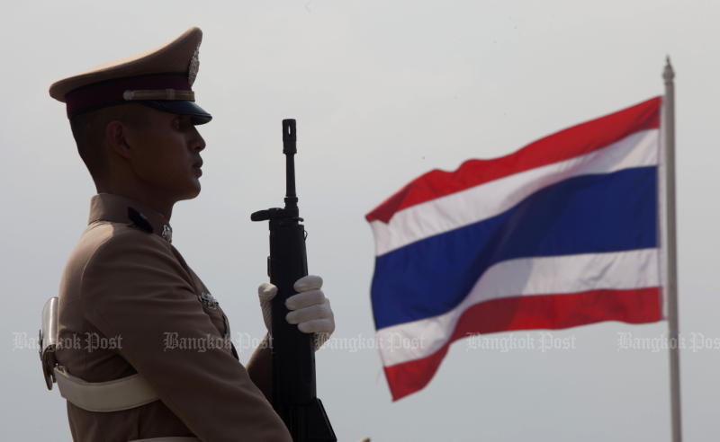 A string of police suicides prompts changes allowing officers to request to be stationed in their home provinces, to reduce stress levels. (Bangkok Post photo)