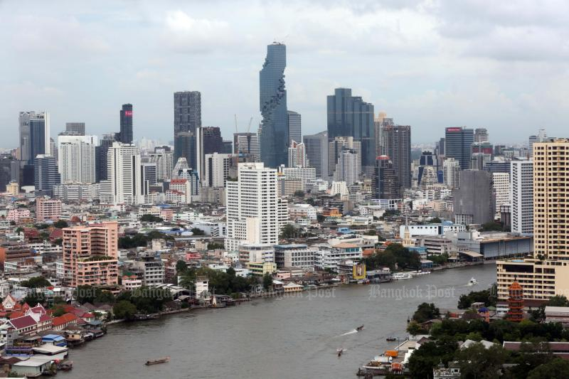 Bangkok land prices are expected to stay flat or drop this year for the first time in over a decade. (Post Today photo)