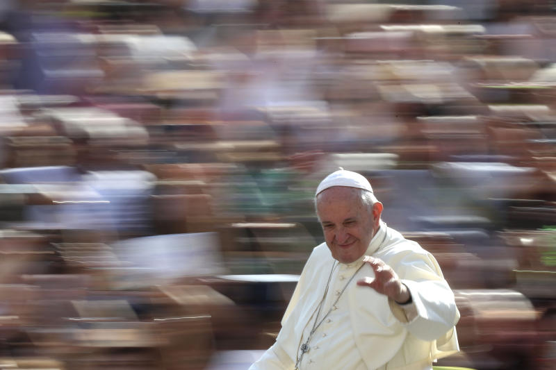 Pope Francis Holds Meeting With Pro-LGBT Priest Who Angered Conservative Catholics