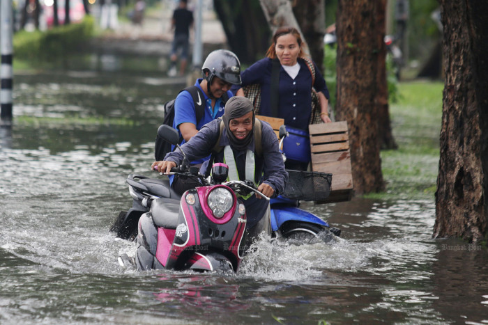 PM promises B2bn help for flood victims