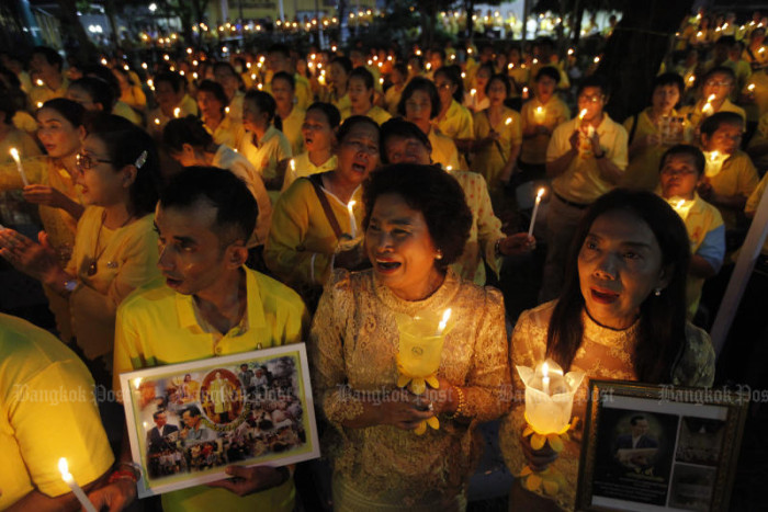 Candles carry the torch for late King Bhumibol