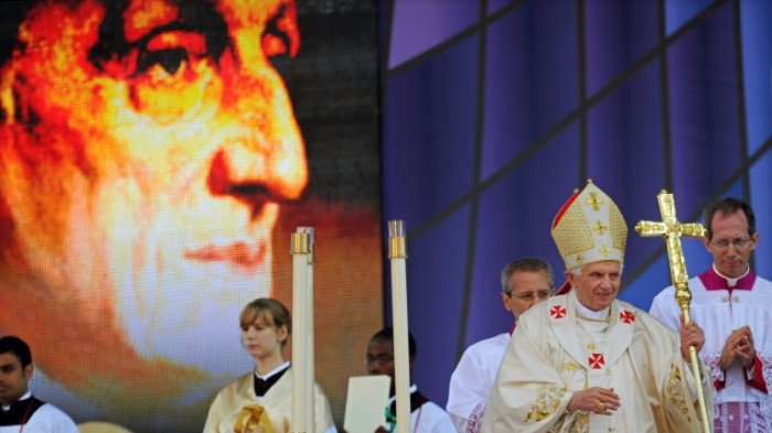 Pope to elevate British convert Newman to sainthood