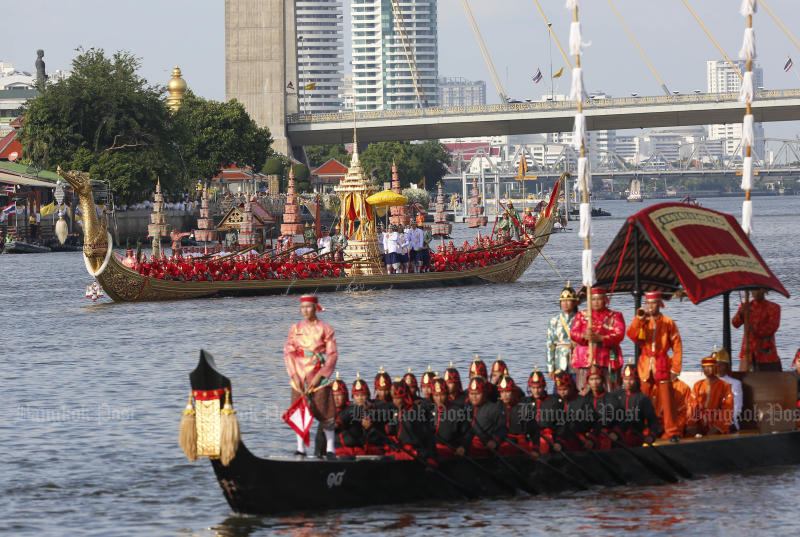 The principal royal barge, Suphannahong, graces the Chao Phraya River on Thursday during the first full rehearsal of the royal barge procession. The event, originally set for Oct 24, has been postponed to Dec 12. (Photo by Pattarapong Chatpattarasill)