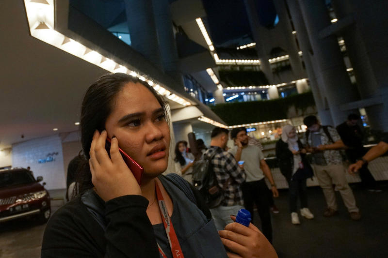 Indonesia issues rules to block illegally imported mobile phones
