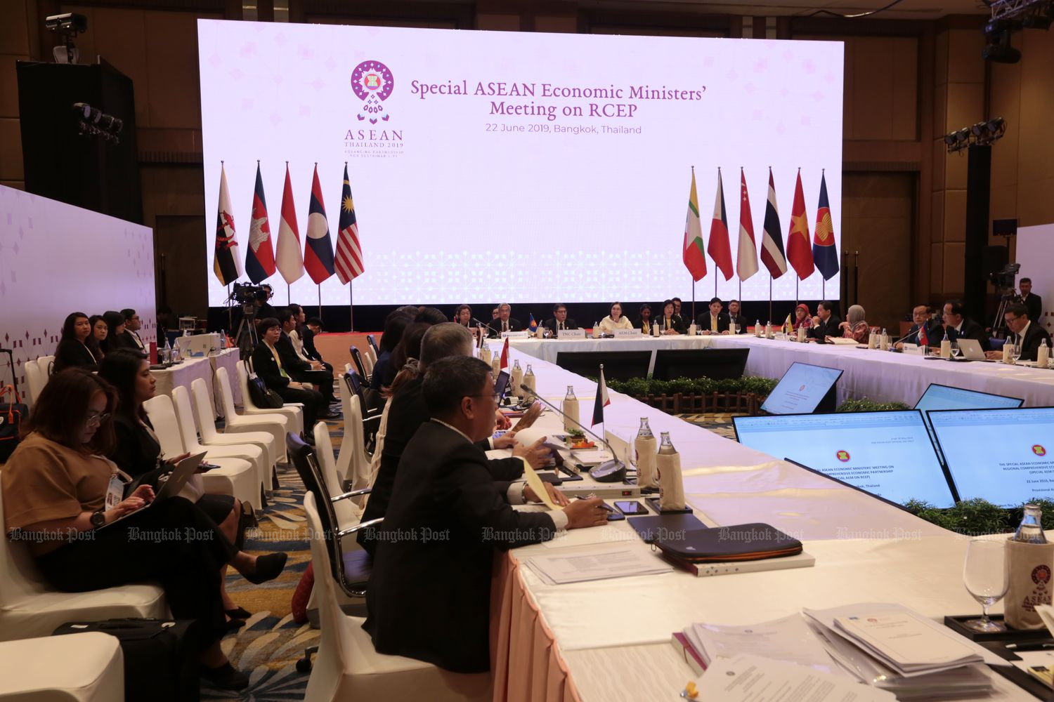 Asean economic ministers meet in Bangkok to discuss the RCEP deal in late June. (Photo by Chanat Katanyu)