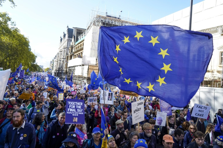 Hundreds of thousands of demonstrators joined an anti-Brexit march in central London on Saturday.