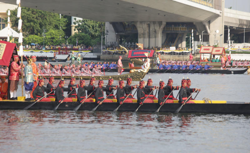 The second major rehearsal of the royal barge procession is held on Monday. (Photo by Apichit Jinakul)