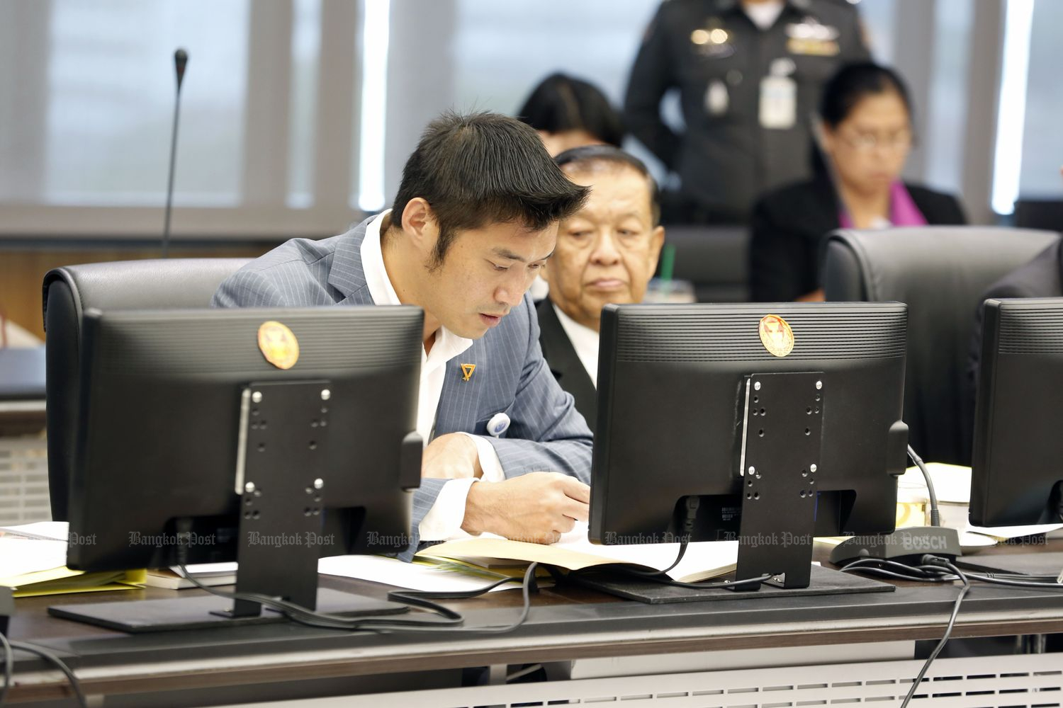 Future Forward leader Thanathorn Juangroongruangkit joins the House committee to review the fiscal 2020 budget bill at Parliament in Bangkok on Thursday. (Photo by Pornprom Sattrabhaya)
