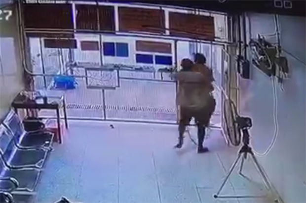 The CCTV footage shows three inmates flee the Pattaya Court after shooting a policeman on Monday.