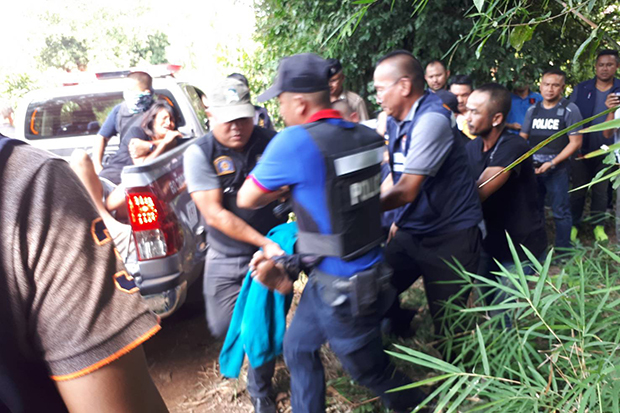 An injured man, believed to be Bart Allen Helmus, is taken to Khao Chakhan Hospital after he allegedly shot himself and his wife as police moved in to arrest the fugitives in Sa Kaeo province on Wednesday. (Photo: Royal Thai Police)