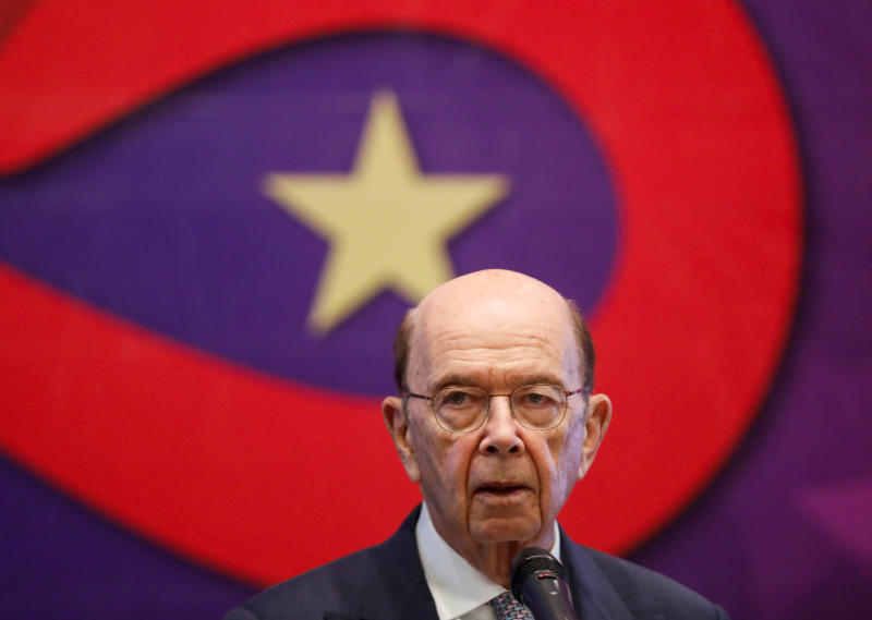 US Secretary of Commerce Wilbur Ross attends the 25th anniversary of the establishment of the American Chamber of Commerce in Vietnam, at a hotel in Hanoi, Vietnam Nov 8, 2019. (Reuters photo)