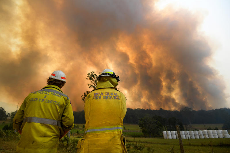 Smoke from a large bushfire is seen outside Nana Glen, near Coffs Harbour, Australia, on Tuesday. (Reuters photo)