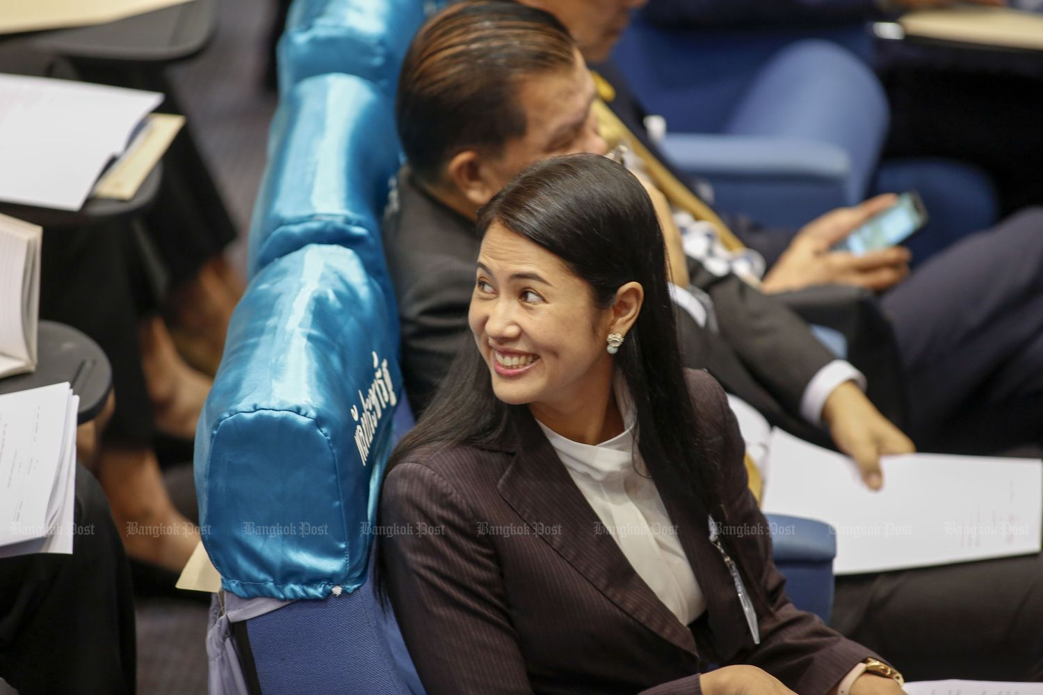 Pareena Kraikupt, a Palang Pracharath MP for Ratchaburi province, during the debate after Prime Minister Prayut Chan-o-cha delivered his policy statement to Parliament on July 26. (Photo by Pattarapong Chatpattarasill)