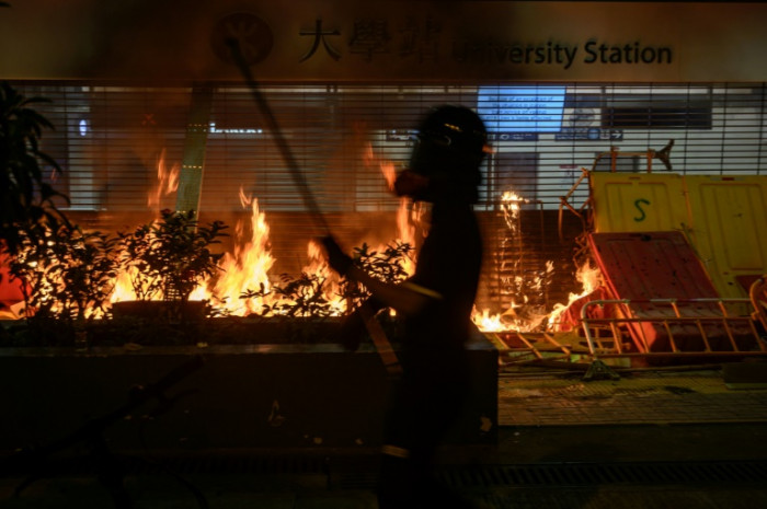 Hong Kong faces third day of chaos after night of rage
