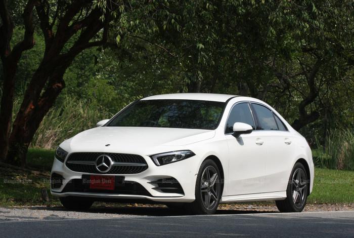 Mercedes-Benz A200 Sedan AMG Dynamic (2019) review